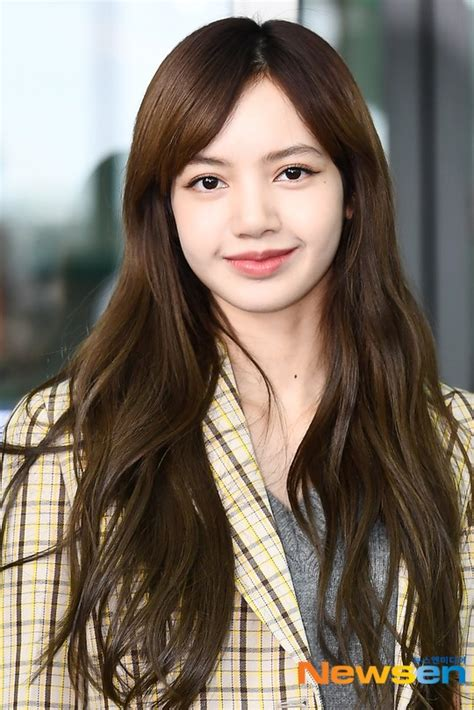 HOLY &@* Lisa without bangs | allkpop Forums