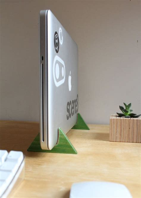 Vertical Laptop Stand made from Recycled Skateboards   Diy